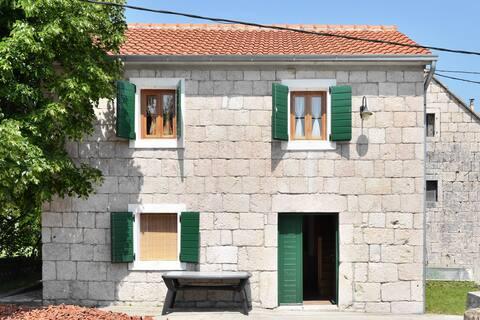 Stone house in village near Split
