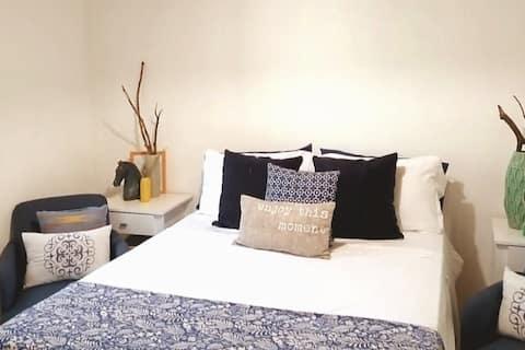 Designer Home - 5 Min from Potrero Lake