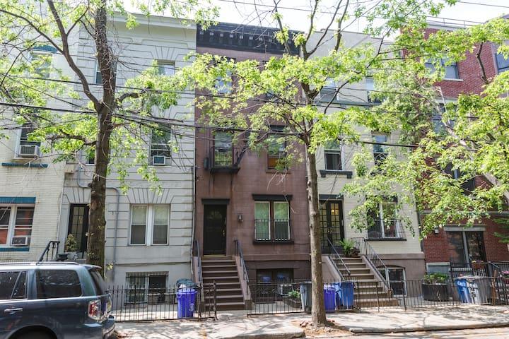1BD in Hoboken + Deck - Hoboken - Appartement