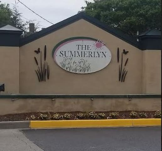 Summerlyn Super Suite 3 BR 2 Bath Condo Lewes DE