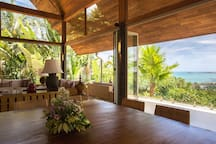 Avasara Residence at Panacea Retreat - Dining area with stunning view
