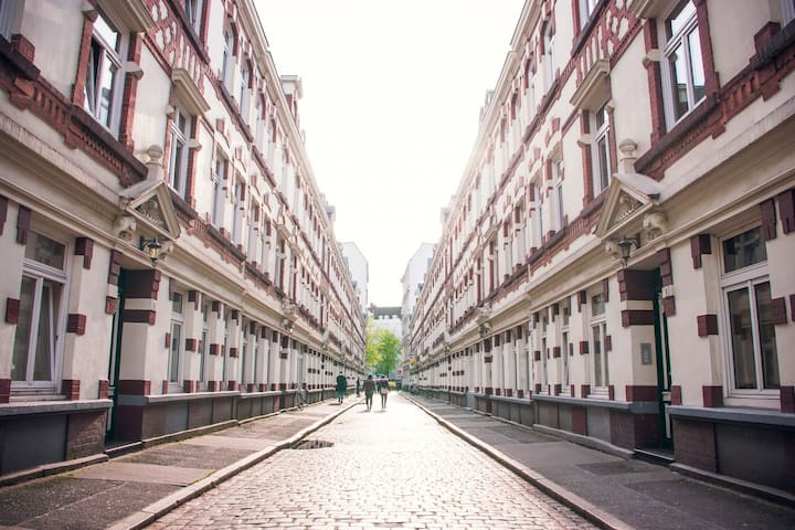 Gemütliches Zimmer in historischer Straße!