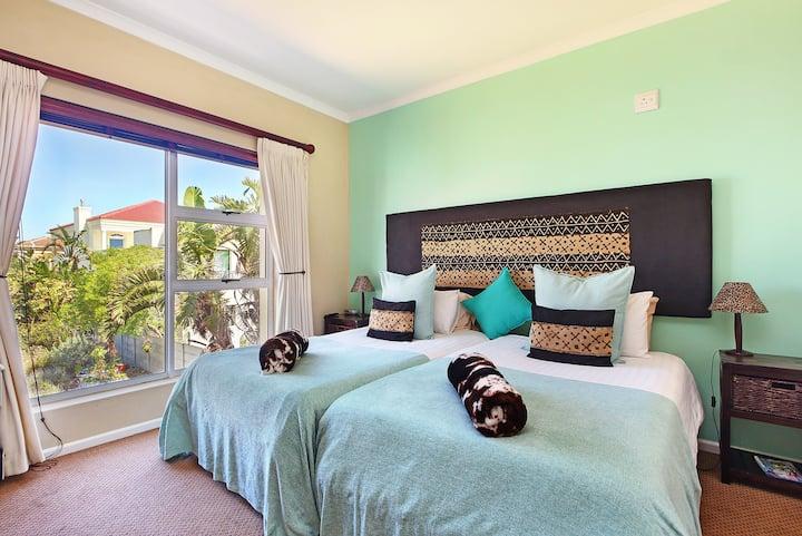 Atlantic Breeze Guesthouse - Hippo Room