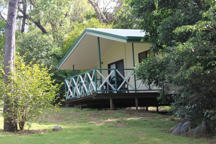 Capricorn Caves Cabins