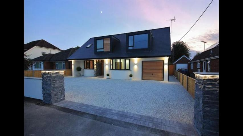 Contemporary luxury home close to New Forest
