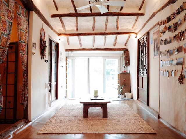 Single room in Jeju bohemian house. - Daejeong-eup, Seogwipo-si - Talo