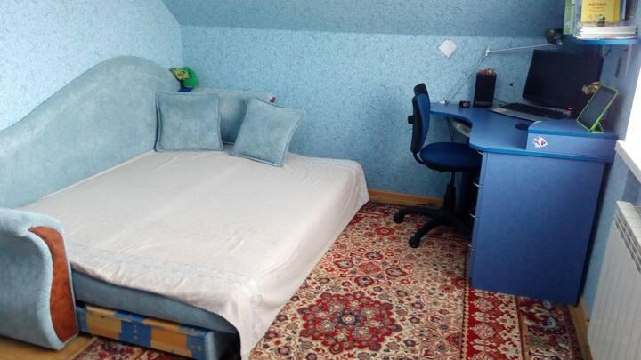 Комната в частном доме.
