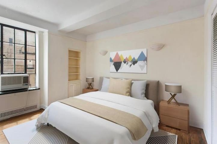 Fantastic NYC 2 Bed, corner of Central Park! ★★★★★