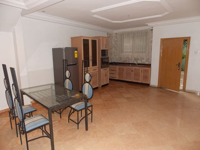 Cozy 2 bedroom Apartment in East Legon, Accra - Accra - Departamento