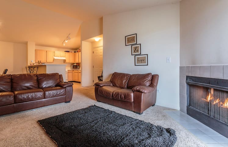 Quiet Apartment In Naperville Apartments For Rent In Naperville Illinois United States