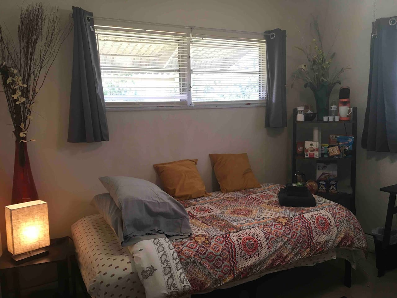 Comfortable, private bedroom with continental breakfast, premium cable HBO, DirecTV
