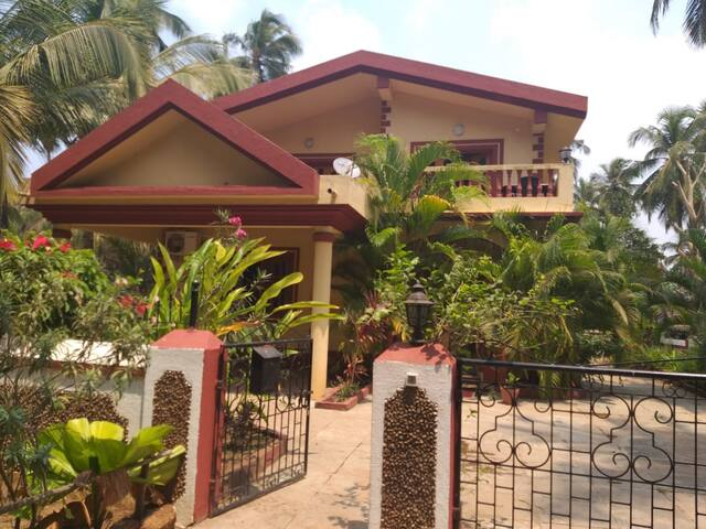 Shanti Niketan Guest House , chambre Dona Paula