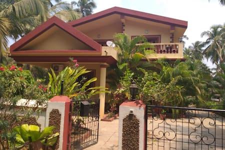 Shanti Niketan Guest House , chambre Baga