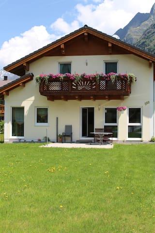 Ferienhaus die Gams - Sankt Leonhard im Pitztal - Hus