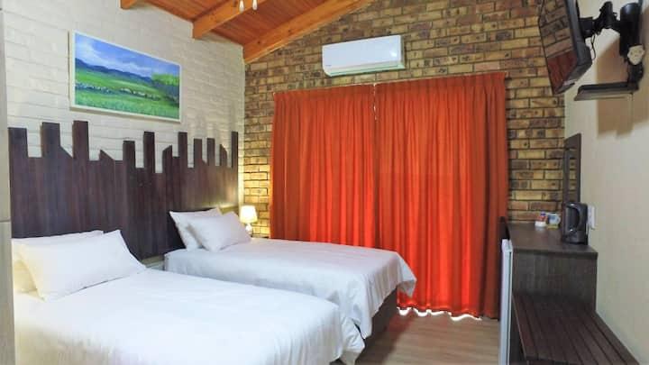 Kruger's Guest House Room 04