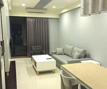 2017年4月新登場 -YJ - **時尚+全新+乾淨** 2人房 (近巨蛋.雙捷運站) - Zuoying District - 酒店式公寓
