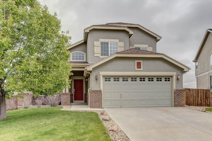 Beautiful home near buckley afb houses for rent in for Buckley house