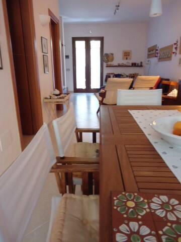 Puglia:accogliente villa in resort con piscina