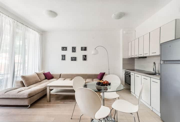 Apartment with bedroom Beatrice Rafailovici #18