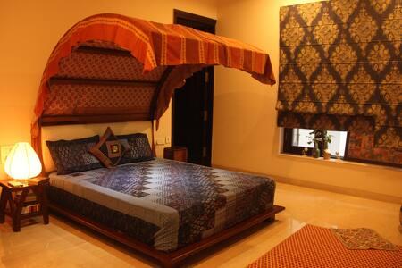 Vipasana - Cosy Indian Home Stay - Faridabad