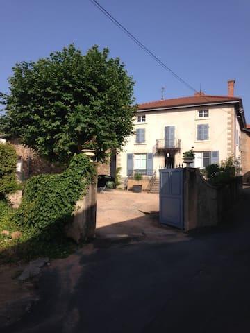 Maison dans village du Beaujolais - Régnié-Durette - Dům
