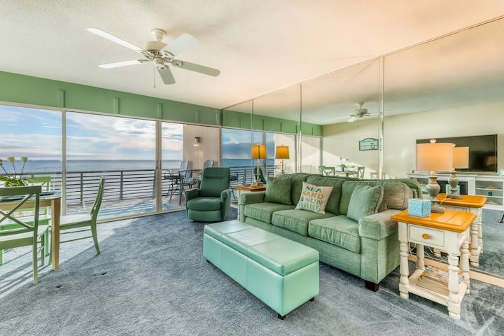 Gorgeous gulf front condo w/ private balcony, shared pool & beach access!