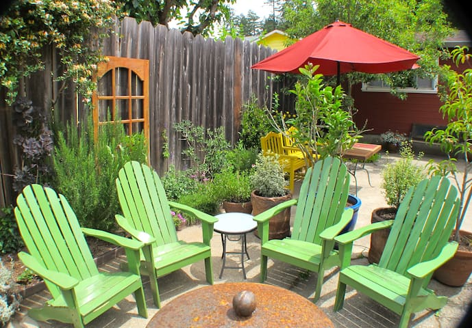 Just Steps to Russian River & Beach - Guerneville - House