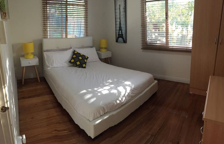 Fresh DB Room with Parking - Doveton - Casa