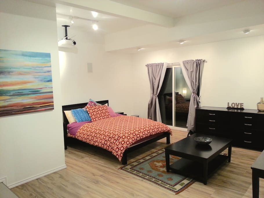 Brand New Separate Guest House!! Appointed with high quality modern finishes and high ceilings,