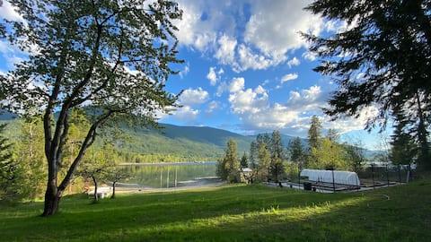 Tall Trees Kootenay Lakefront Vacation Suite