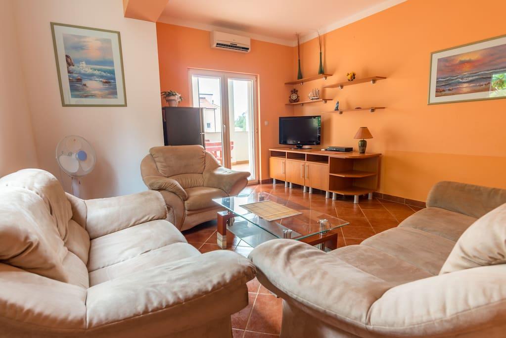Luxury apt for 6 near center appartamenti in affitto a for Interno 7 luxury rooms
