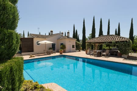 Charming cottage, pool and organic farming