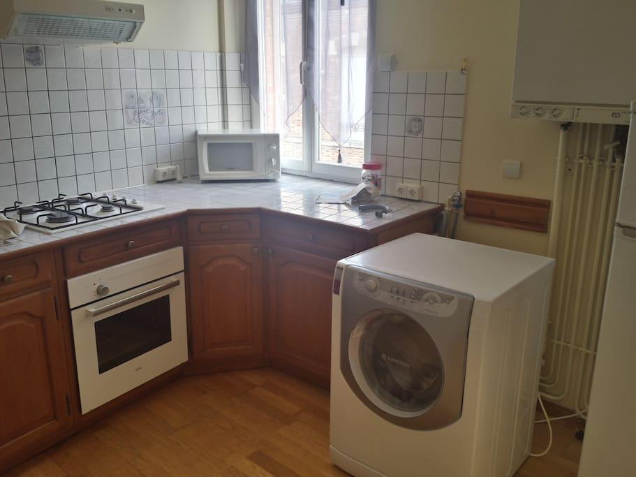 machine à laver , four , micro-onde