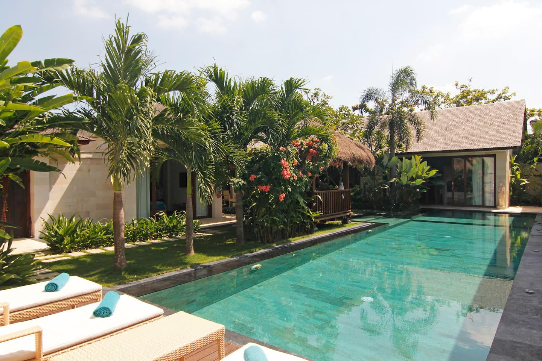 VILLA SAMSARA - stylish, HUGE pool!