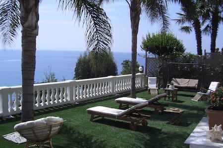 trilocale bellissima vista spiagge  - Taggia - อพาร์ทเมนท์