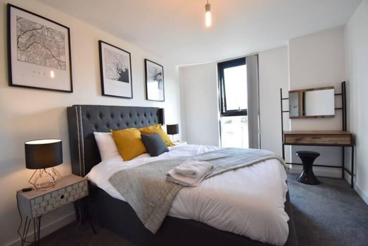 Spacious 2 Bed Apartment 5*