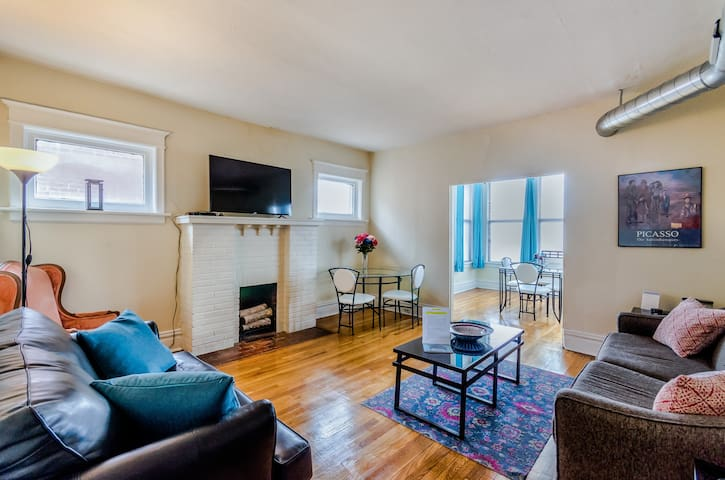 Artsy 1BR/1BA near ForestPark, WashU & DelmarLoop