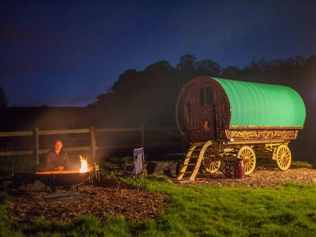 Gypsy Caravan and Shepherds Hut in The Chilterns