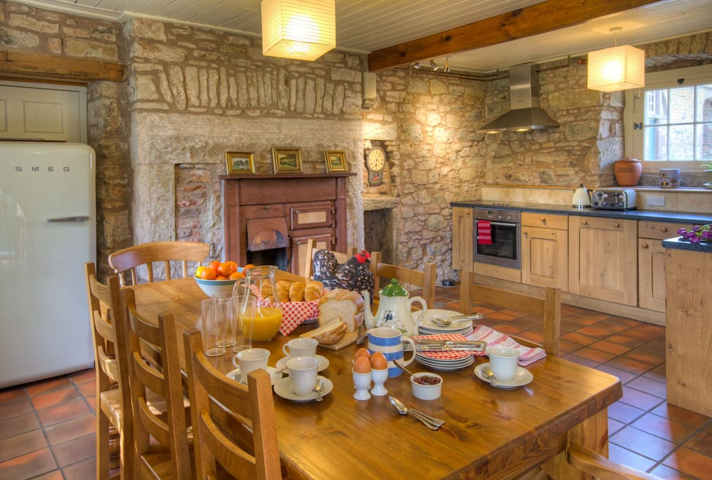 The spacious farmhouse-style kitchen at Keepers Cottage