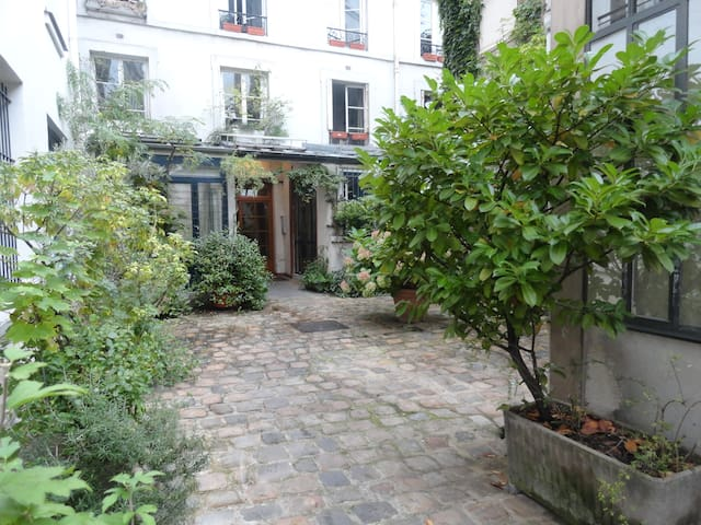 Paris center! Le Marais  Charming & spacious flat