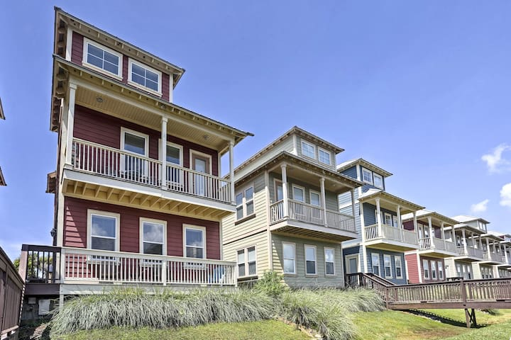 Mexico Beach Cottage w/Pool Access-100 yd to Beach