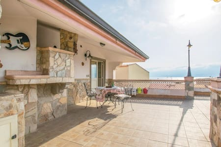 Holiday apartment with 1 bedroom on 50m² in Villa San Giovanni