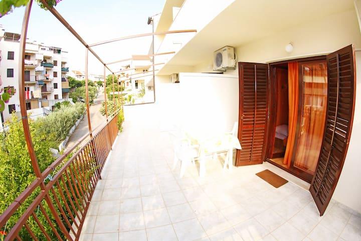 Double room with balcony 3