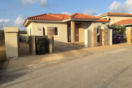 Comfortable and Luxury House for rent in Noord - Oranjestad