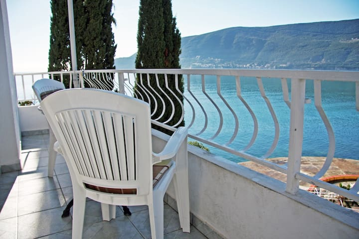 4-bed Sea View Apartments Kukoljac - Herceg - Novi - Daire