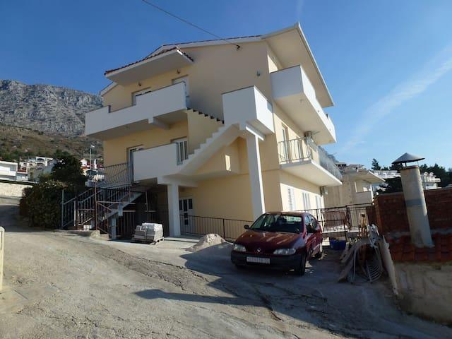 Apartment NM A2-Mali(2+2) Stanici, Riviera Omis
