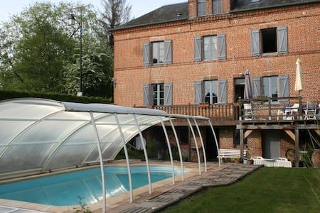 Maison de caractère en Pays d'Auge - Blangy-le-Château - บ้าน