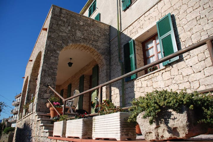 B B Letti A Castello Finale Ligure.Airbnb Orco Feglino Vacation Rentals Places To Stay