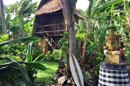 Double Seafront Bungalow @ Lumbung Damuh, Homestay