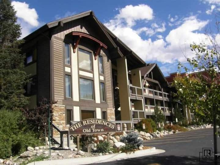 Cozy Condo Downtown Steamboat Across Yampa River